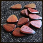 Tri Tones - Padauk - 4 Guitar Picks | Timber Tones